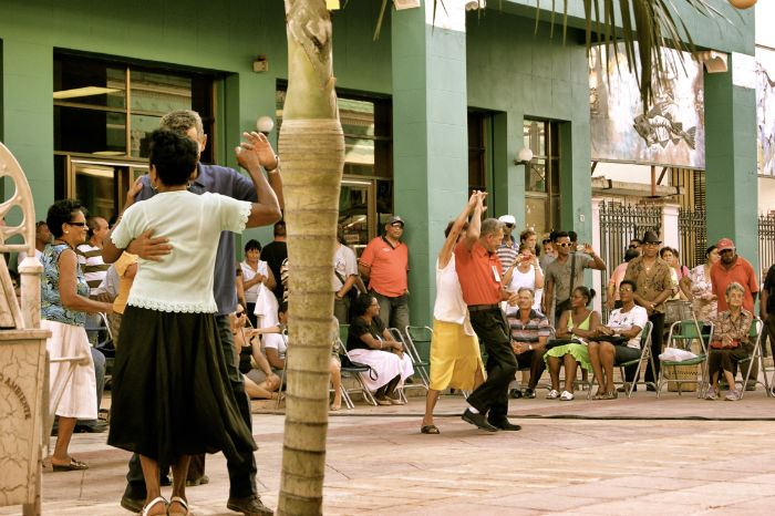 Photo by Anne Steinbach - Salsa in the streets of Ciego de Avila